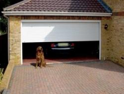 Строительство гаража из кирпича.
