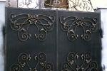 Отделка домов и приусадебных участков изделиями из кованого металла