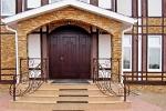 Выбор входных металлических дверей для загородного дома