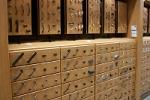 Разновидности подвижной фурнитуры для мебели