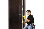монтаж входной двери из металла